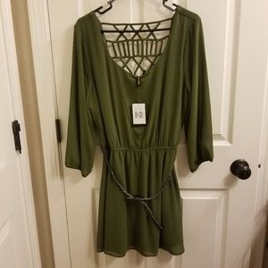 NWT Want & Need 3/4 Length Sleeve Lattice Back